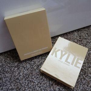 Kylie Cosmetics Makeup - Kylie Jenner highlighter